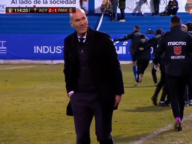 Real Madrid thua sốc đội hạng 3 TBN: Fan giận dữ vì nụ cười Zidane