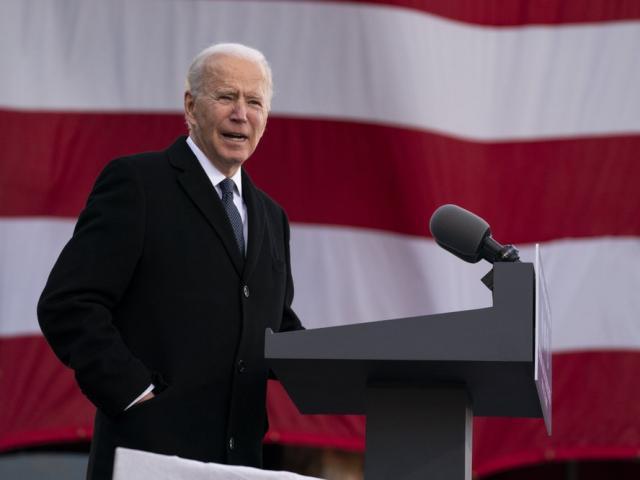 4 quan chức ông Trump bổ nhiệm mất việc ngày ông Biden nhậm chức