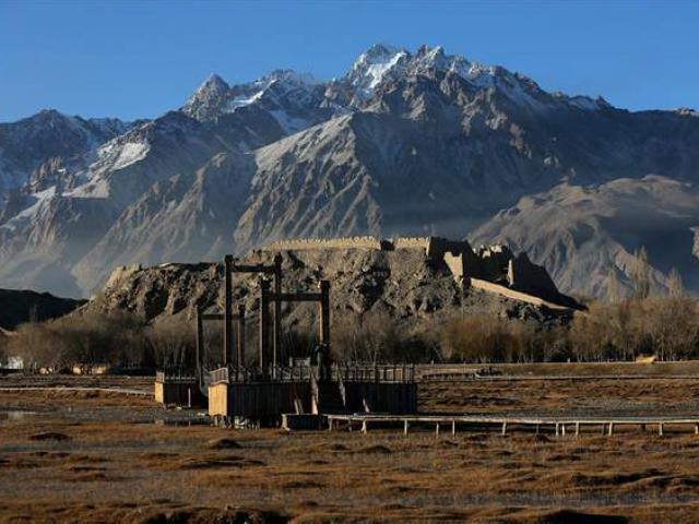 Thành phố đá bí ẩn ở Tân Cương hàng nghìn năm vẫn chưa bị phá hủy
