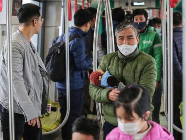 CLIP: Người dân ùn ùn tới nhà ga S1, soi nội thất tàu tuyến đường sắt Nhổn - ga Hà Nội