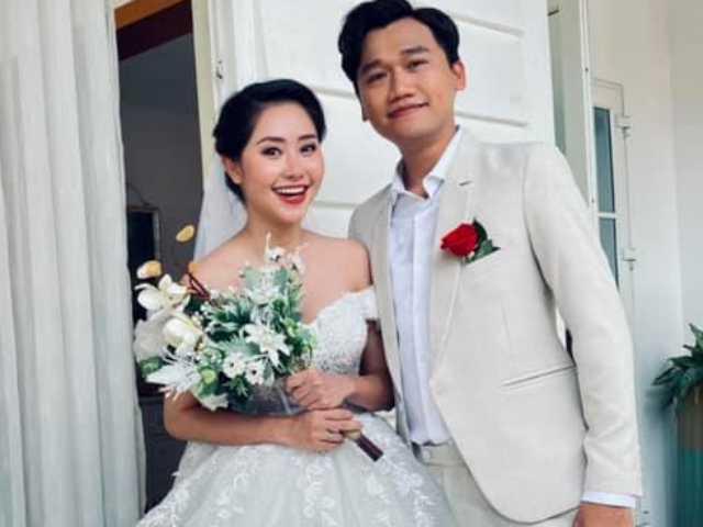 Mr. Cần Trô đăng ảnh cưới, cô dâu hóa ra là người quen của showbiz