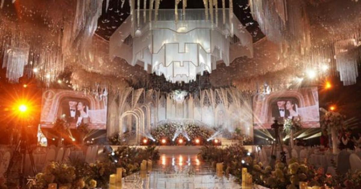 Đám cưới choáng ngợp ở Ninh Bình: Lâu đài nguy nga, danh tính chú rể không phải dạng vừa