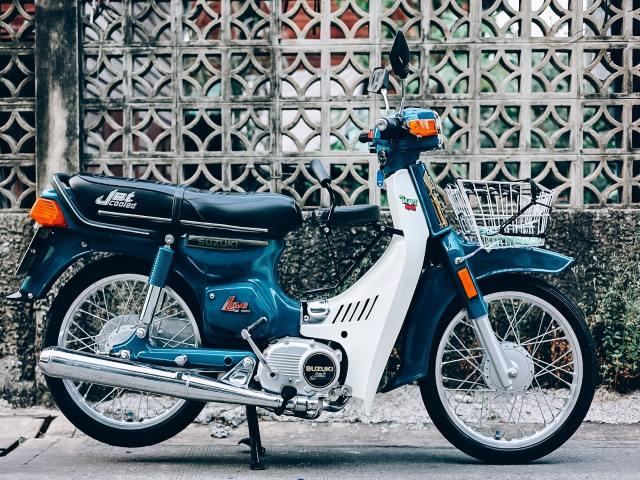 Hồi sinh Suzuki Bravo RC100, nỗi lo của Honda DD đỏ một thời