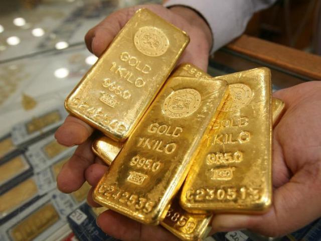 Giá vàng hôm nay 27/1: Dân buôn bán tháo, vàng sụt giá