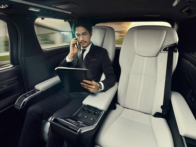Đâu là vị trí ngồi an toàn nhất trên xe ô tô?