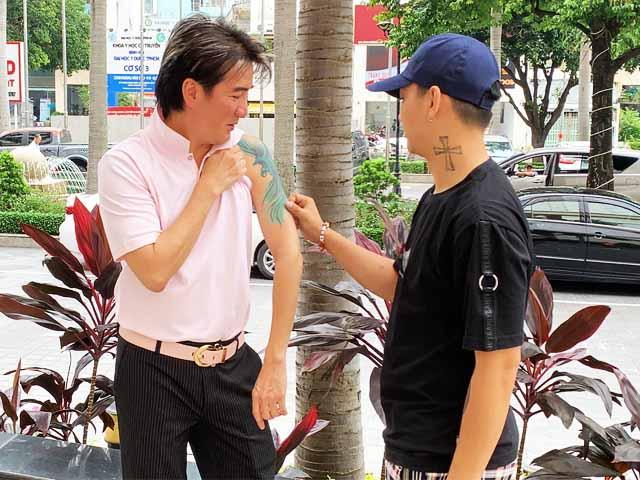 Đàm Vĩnh Hưng hé lộ hình ảnh Hoài Lâm lên Sài thành sau ly hôn, về quê trốn showbiz