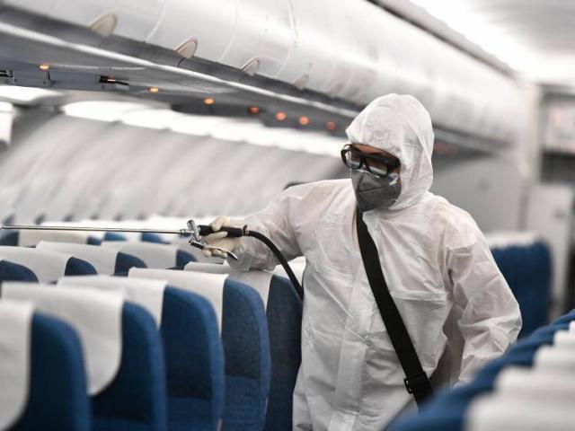 Tìm người đi trên 2 chuyến bay từ HN đến TP.HCM và ngược lại