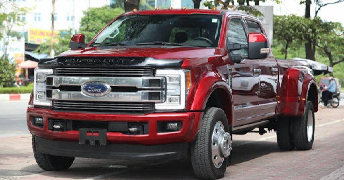 Siêu bán tải 6 bánh Ford F-450 Limited tại Việt Nam chính thức có chủ