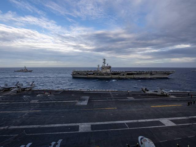Hai tàu sân bay hạt nhân Mỹ lần đầu tập trận ở Biển Đông dưới thời ông Biden