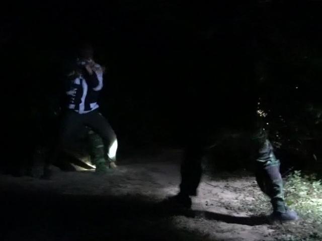 Theo chân lính Biên phòng mật phục giữa đêm vây bắt tội phạm
