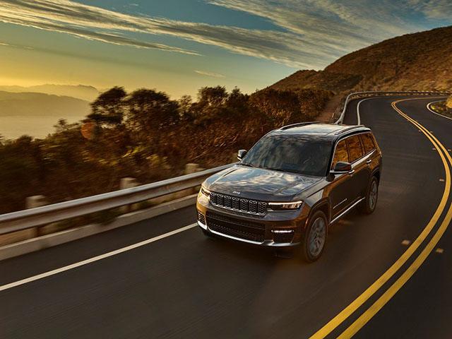 Jeep Grand Cherokee 2021 ra mắt, giá từ 886 triệu đồng