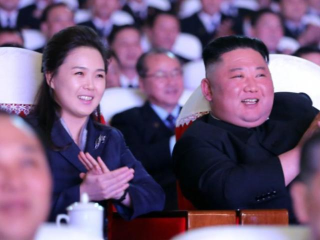 Vợ nhà lãnh đạo Triều Tiên Kim Jong Un tái xuất sau hơn một năm
