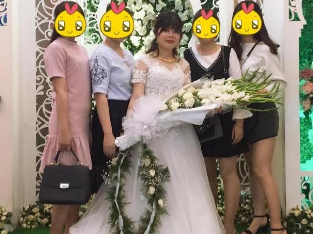Cô dâu khóc thét, suýt đòi huỷ hôn vì bố bắt cầm thứ này trong lễ cưới