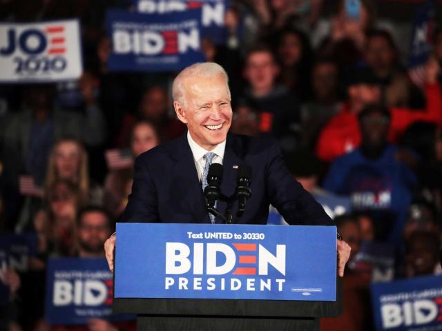 Mỹ: Ly kỳ chuyện ông Biden đột nhập vào Điện Capitol rồi bị cảnh sát bắt