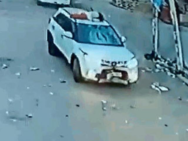 Gây tai nạn, tài xế chở nạn nhân nằm trên nóc ô tô bỏ chạy 10km