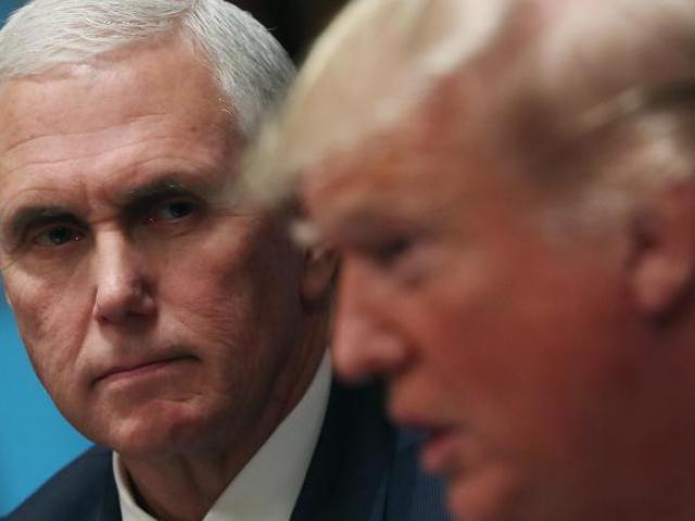 """Tiết lộ mối quan hệ giữa ông Trump và """"phó tướng"""" Mike Pence sau khi rời Nhà Trắng"""