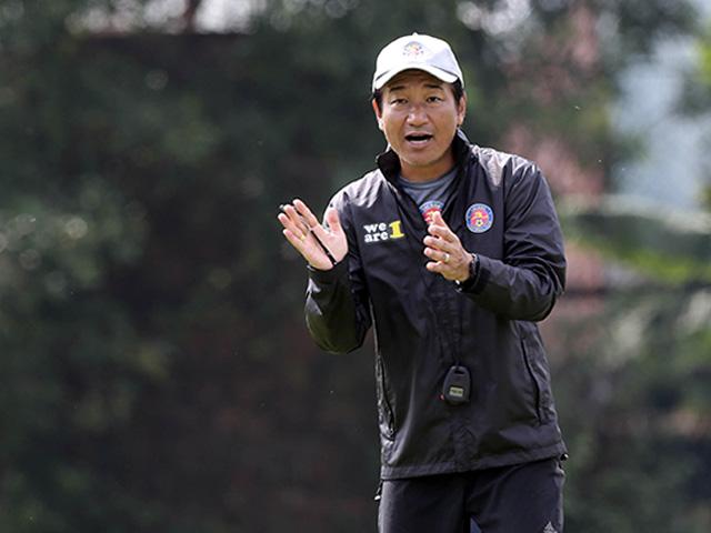 HLV Nhật Bản: Cầu thủ Việt Nam đủ sức đá tốt ở J-League như người Thái