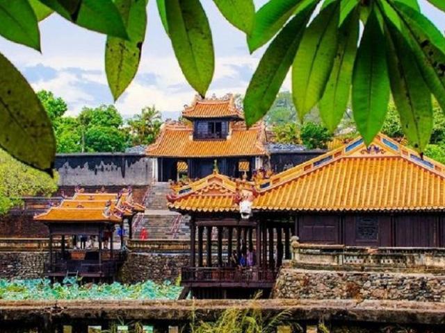 Ở Huế có tất cả mấy lăng tẩm của các vua triều Nguyễn?
