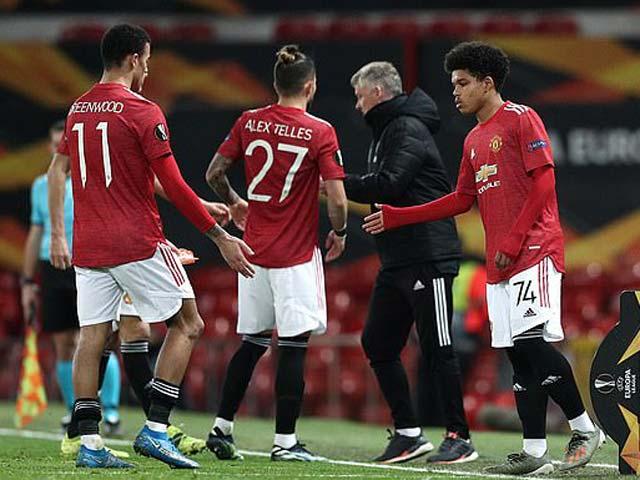 """Solskjaer hứng """"bão"""" chỉ trích vì Fernandes, MU được dự báo vô địch Europa League"""