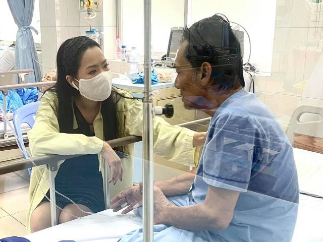 Sức khỏe của tài tử Thương Tín giờ ra sao sau khi bị đột quỵ?