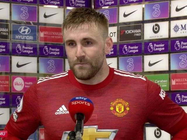 SỐC: Trọng tài giúp Chelsea thoát phạt đền trước MU vì sợ gây tranh cãi?