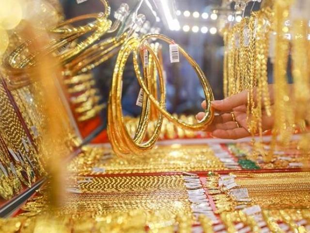 Giá vàng hôm nay 1/3: Bật tăng đầu tuần, chênh lệch ở mức cao kỷ lục