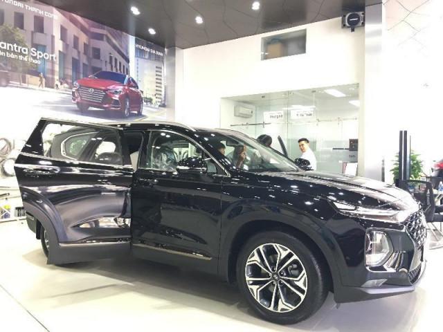 Đại lý mạnh tay giảm giá Hyundai SantaFe sau Tết