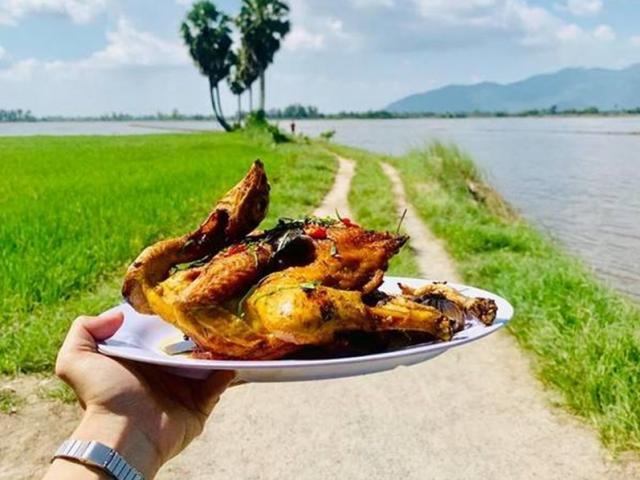 Món gà đốt lá chúc lọt top 100 món ăn đặc sản Việt Nam ngon đến cỡ nào?