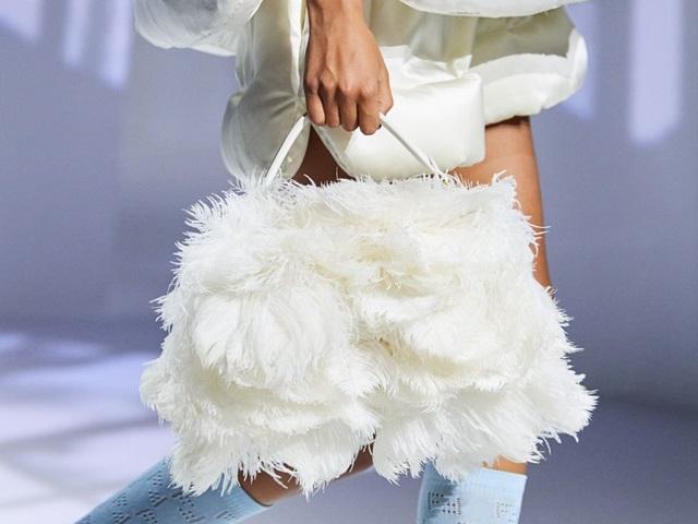 8 kiểu túi đẹp nhất cho quý cô công sở năm 2021