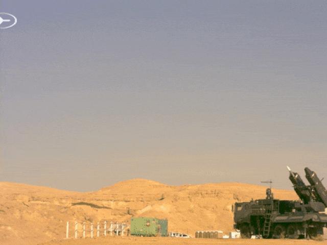 Tên lửa I-Derby ER khai hỏa tấn công mục tiêu ở khoảng cách hơn 100km