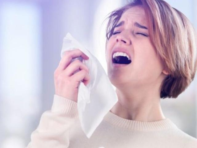 Hậu quả khó lường từ việc nhịn hắt hơi