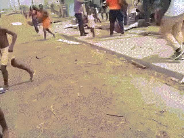 Video: Hiện trường kinh hoàng vụ nổ kho đạn khiến hơn 600 người thương vong tại Guinea