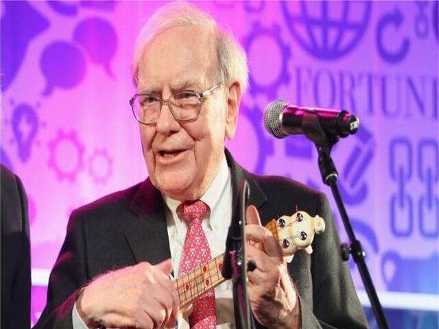 Warren Buffett gia nhập câu lạc bộ 100 tỷ đô ở tuổi 90