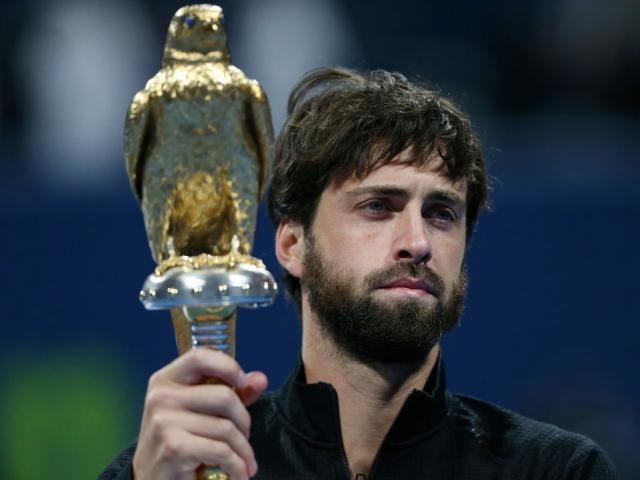 """""""Hung thần"""" của Federer vô địch Qatar Open, Medvedev """"vận đỏ"""" vào chung kết"""