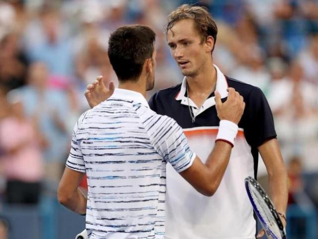 """Bảng xếp hạng tennis 15/3: Medvedev đặt """"dấu chấm hết"""" cho """"Big 4"""", vượt qua Nadal"""