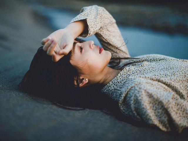 Một ngày nào đó bạn sẽ hiểu rằng, van xin rốt cuộc sẽ chẳng thể nào có được tình yêu