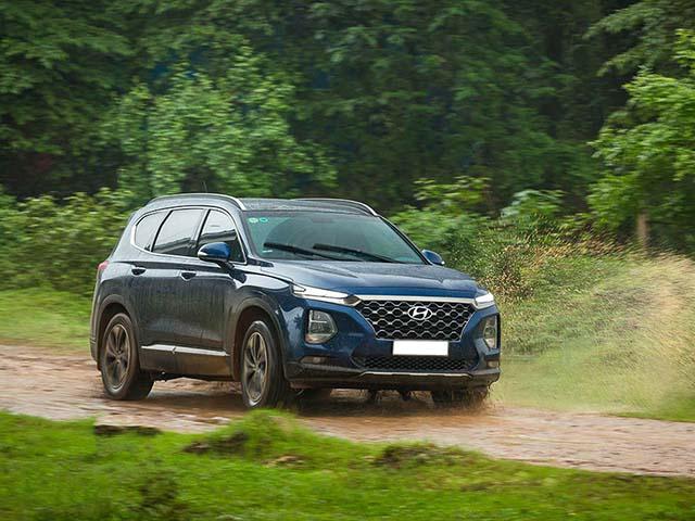 Giá xe Hyundai Santa Fe lăn bánh tháng 3/2021