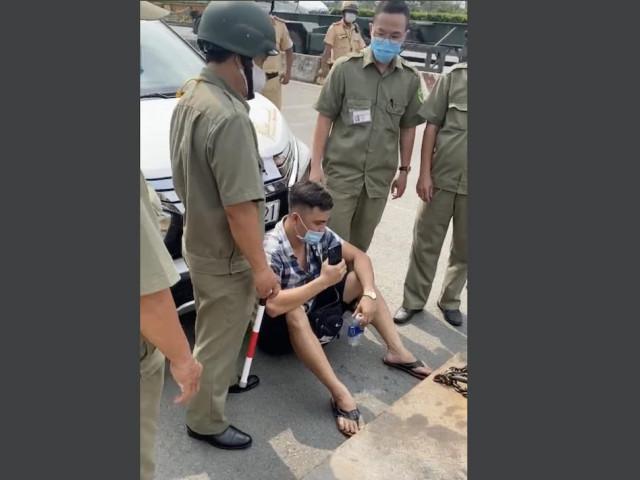 CSGT thông tin vụ Youtuber Lê Chí Thành ngồi trước đầu ô tô