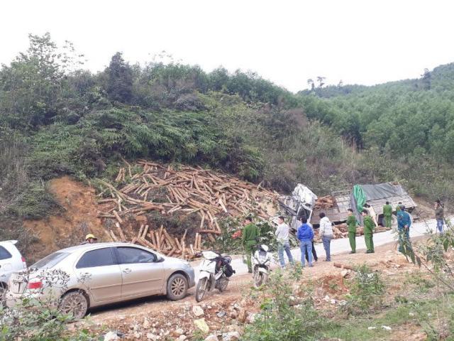 Hiện trường kinh hoàng vụ tai nạn thảm khốc khiến 7 người tử vong ở Thanh Hóa