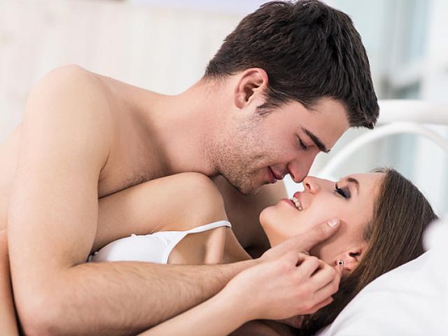 """Nhiều cặp đôi dù làm """"chuyện ấy"""" thường xuyên nhưng không biết những điều này"""