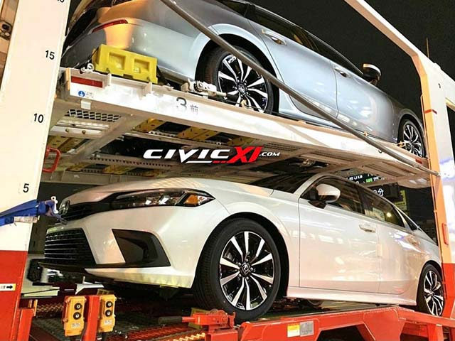 Honda Civic 2022 xuất hiện không che chắn trên xe vận chuyển