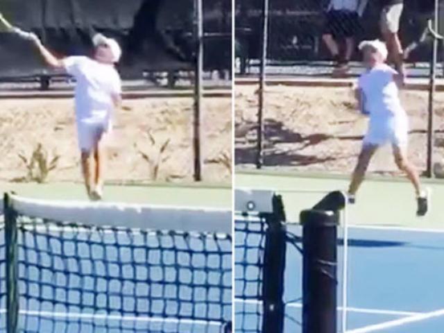 """SAO tennis 12 tuổi chơi như Nadal: Thuận 2 tay, vụt """"không trượt phát nào"""""""