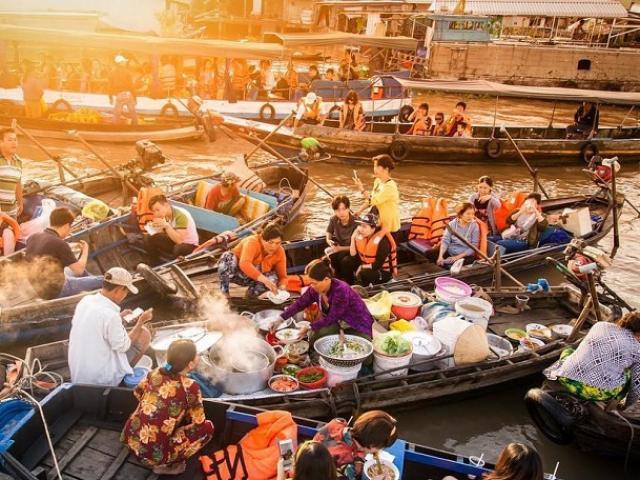 """Nơi nào ở Việt Nam được dân gian cho là """"có dòng sông đẹp với nhiều giai nhân""""?"""