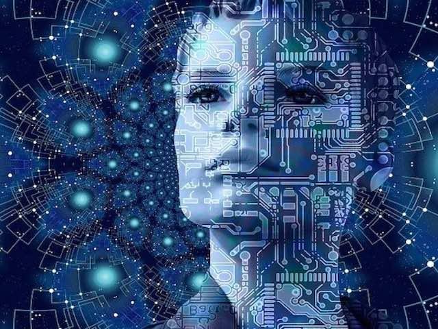 Có lo thất nghiệp khi chuyển đổi số, máy móc thay thế con người?