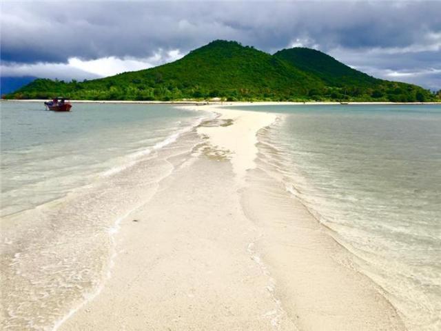 Điệp Sơn - Hòn đảo có lối đi giữa biển hot nhất hè 2016