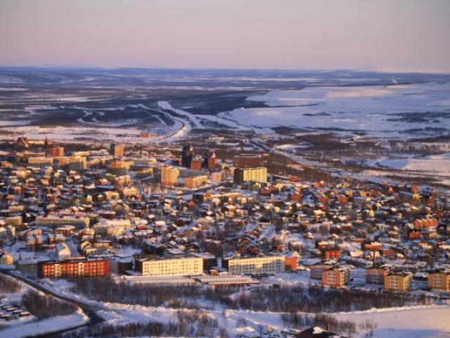 """Thụy Điển """"bốc"""" cả thành phố đi xa 3km"""