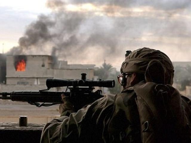 Phát bắn tỉa kinh ngạc trúng cổ phiến quân IS cách 2,4km