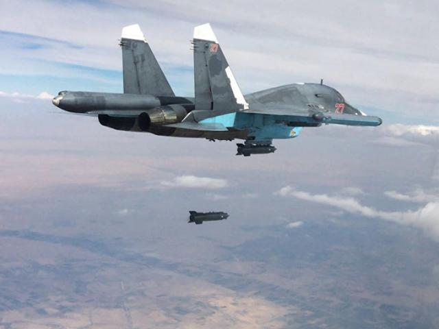 Nga ném bom tiêu diệt 120 tay súng IS rút lui khỏi Raqqa
