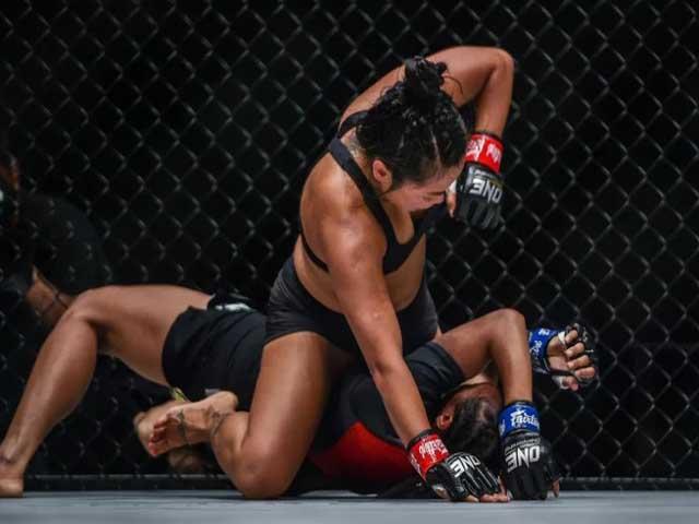 Võ đài MMA châu lục: Martin Nguyễn, Bi Nguyễn & thời cơ của võ sỹ gốc Việt