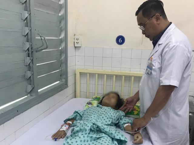 Sốc: Bé gái 14 tuổi bị ung thư cổ tử cung giai đoạn cuối